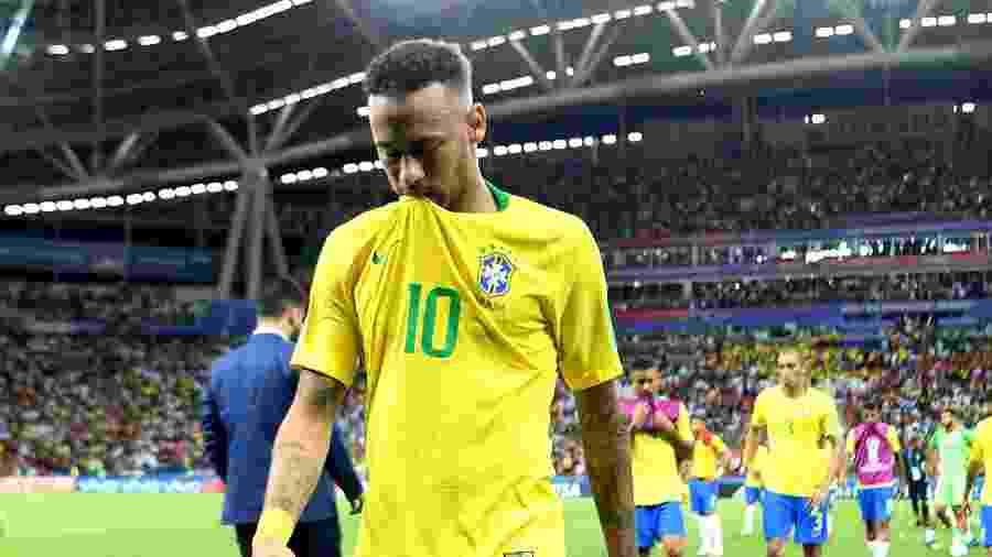 Neymar sai do gramado cabisbaixo; atuação na Copa reflete em sua imagem nas redes - Michael Regan - FIFA/FIFA via Getty Images