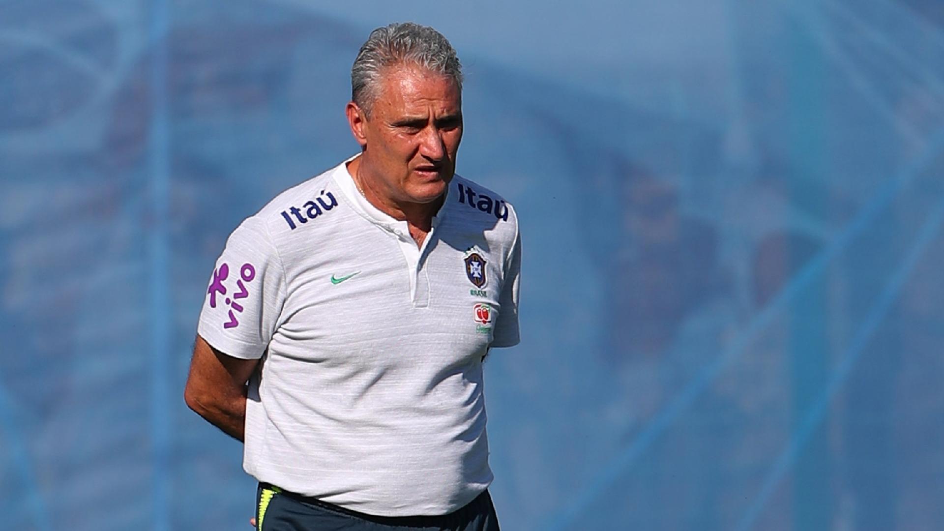 Técnico Tite, durante treino da seleção brasileira em Sochi