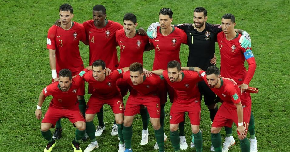 Jogadores de Portugal posam antes do jogo contra a Espanha pelo Grupo B da Copa do Mundo de 2018