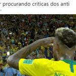 Neymar também poderia estar tentando achar seus críticos, que sumiram depois do jogo - Reprodução/Twitter
