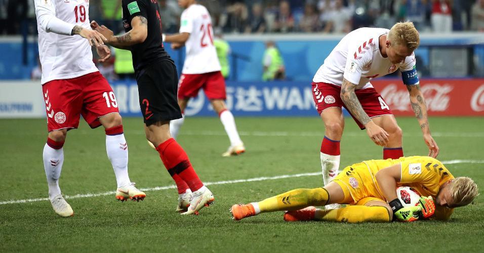 Kasper Schmeichel defende cobrança de pênalti de Luka Modric em Croácia x Dinamarca