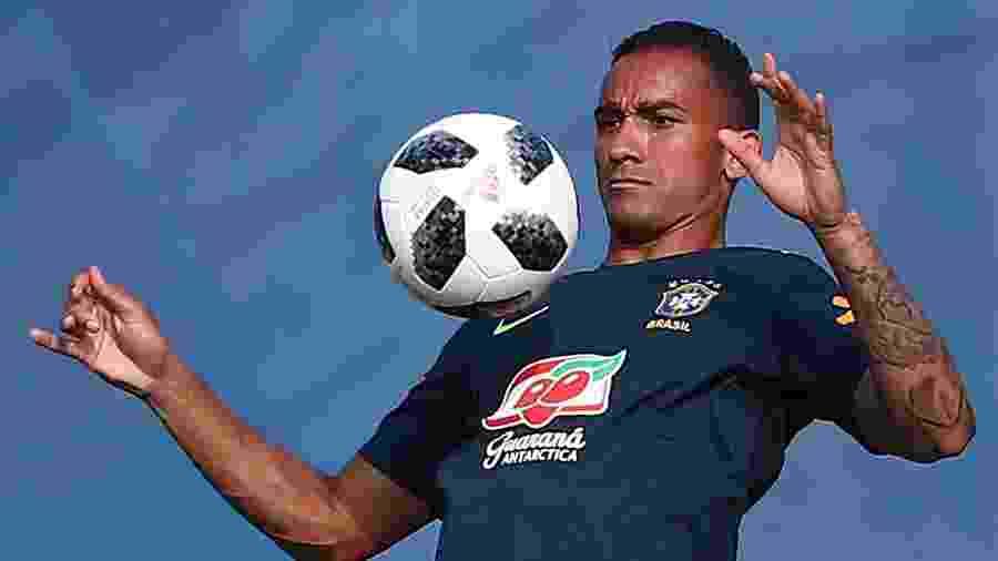 Danilo, durante treino da seleção brasileira - REUTERS/Hannah McKay