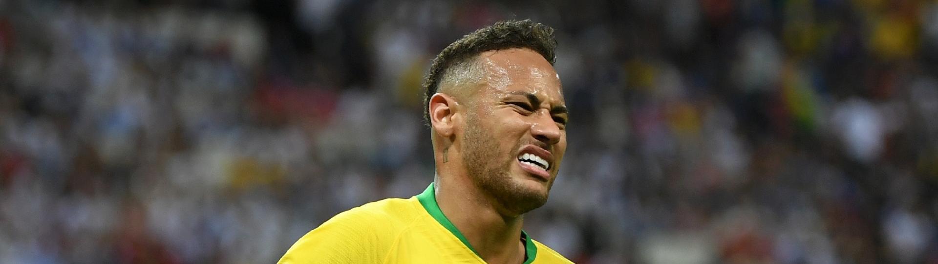 Neymar lamenta chance desperdiçada no jogo entre Brasil e Bélgica