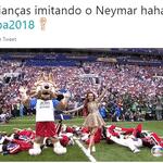 Em outro momento da cerimônia, aconteceu mais uma suposta homenagem ao craque brasileiro - Reprodução/Twitter