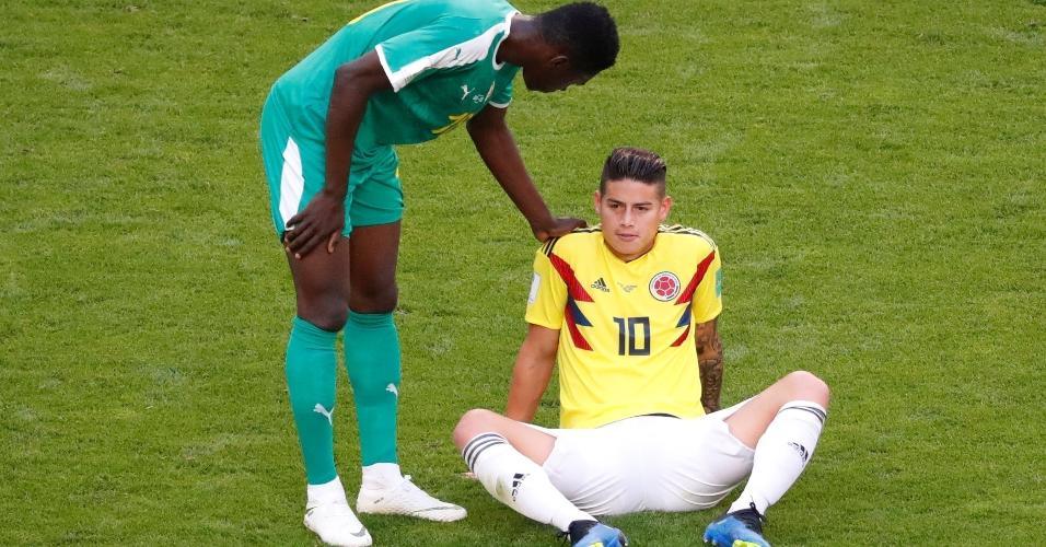 James Rodriguez sentiu dores e precisou ser substituído ainda na etapa inicial de Colômbia x Senegal
