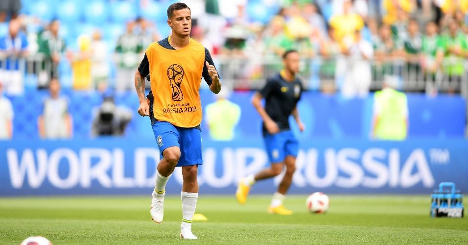 Philippe Coutinho se aquece para partida das oitavas da Copa