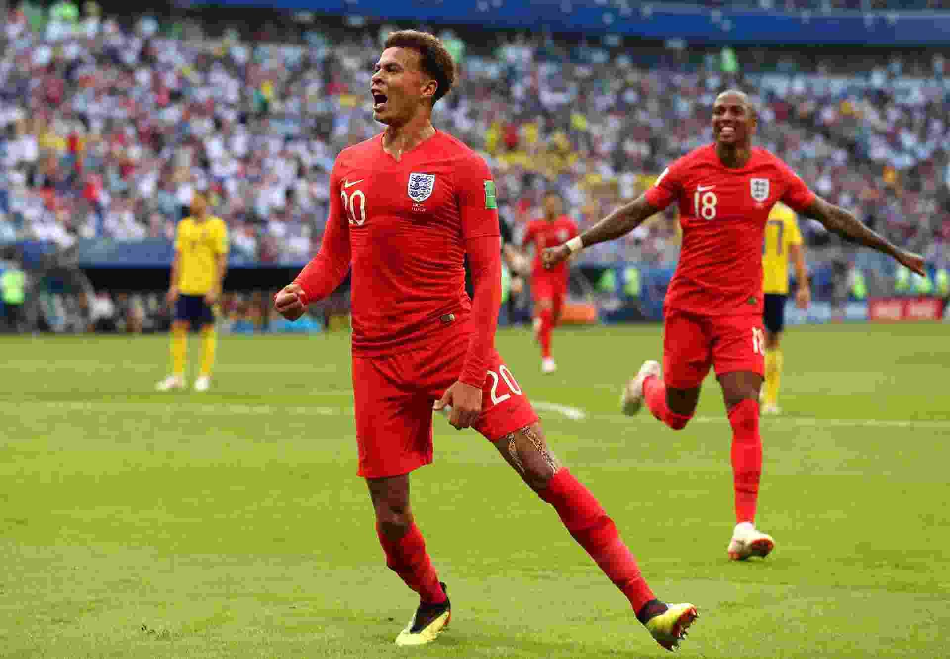 Após marcar, Delle Ali comemora o segundo da Inglaterra contra a Suécia - Clive Rose/Getty Images
