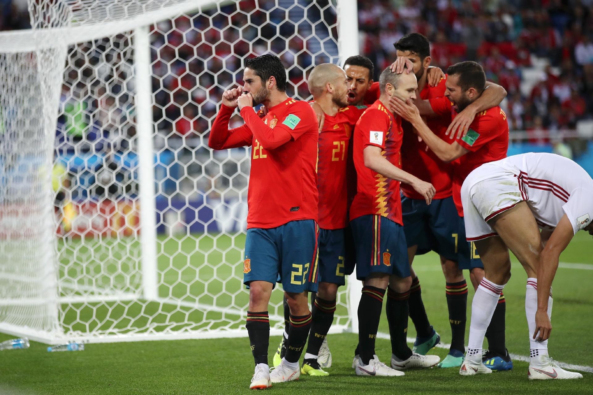 Espanha x Marrocos  Espanha empata com Marrocos graças ao VAR e pega a  Rússia nas oitavas - UOL Copa do Mundo 936b386e6a1ef