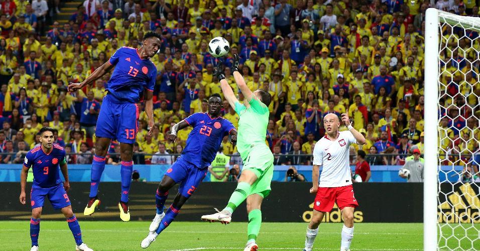 Yerry Mina acerta cabeceio e abre o placar para Colômbia contra a Polônia