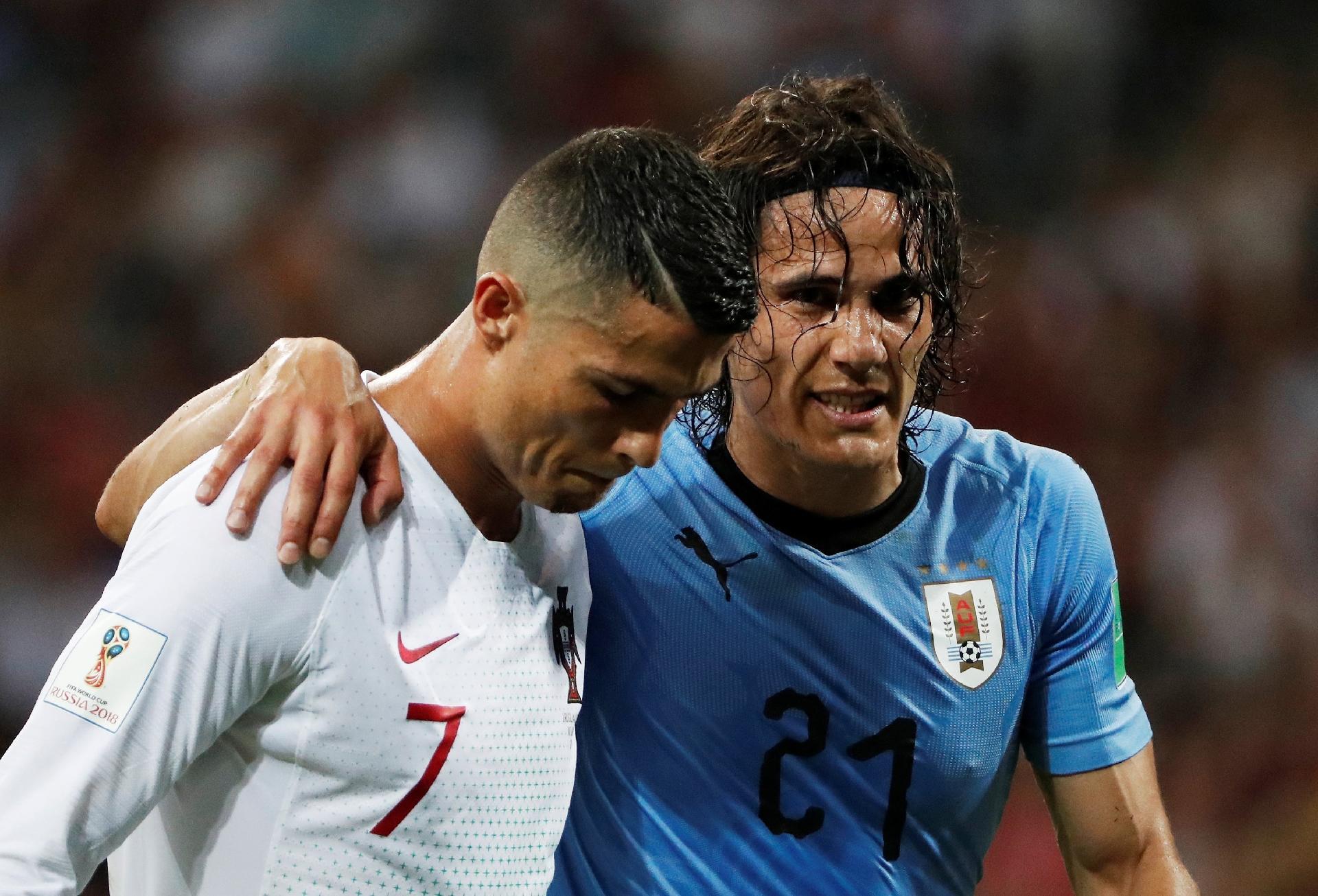 Uruguai na Copa 2018  Cavani não treina e está fora do time titular contra  a França 9860cc32ee936