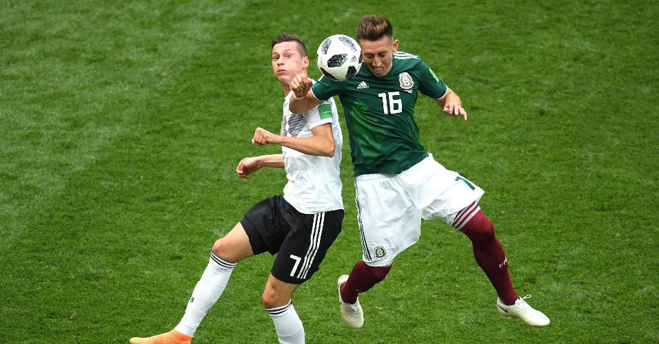 Hector Herrera, da seleção do México, ganha cabeceio de Julian Draxler, da Alemanha