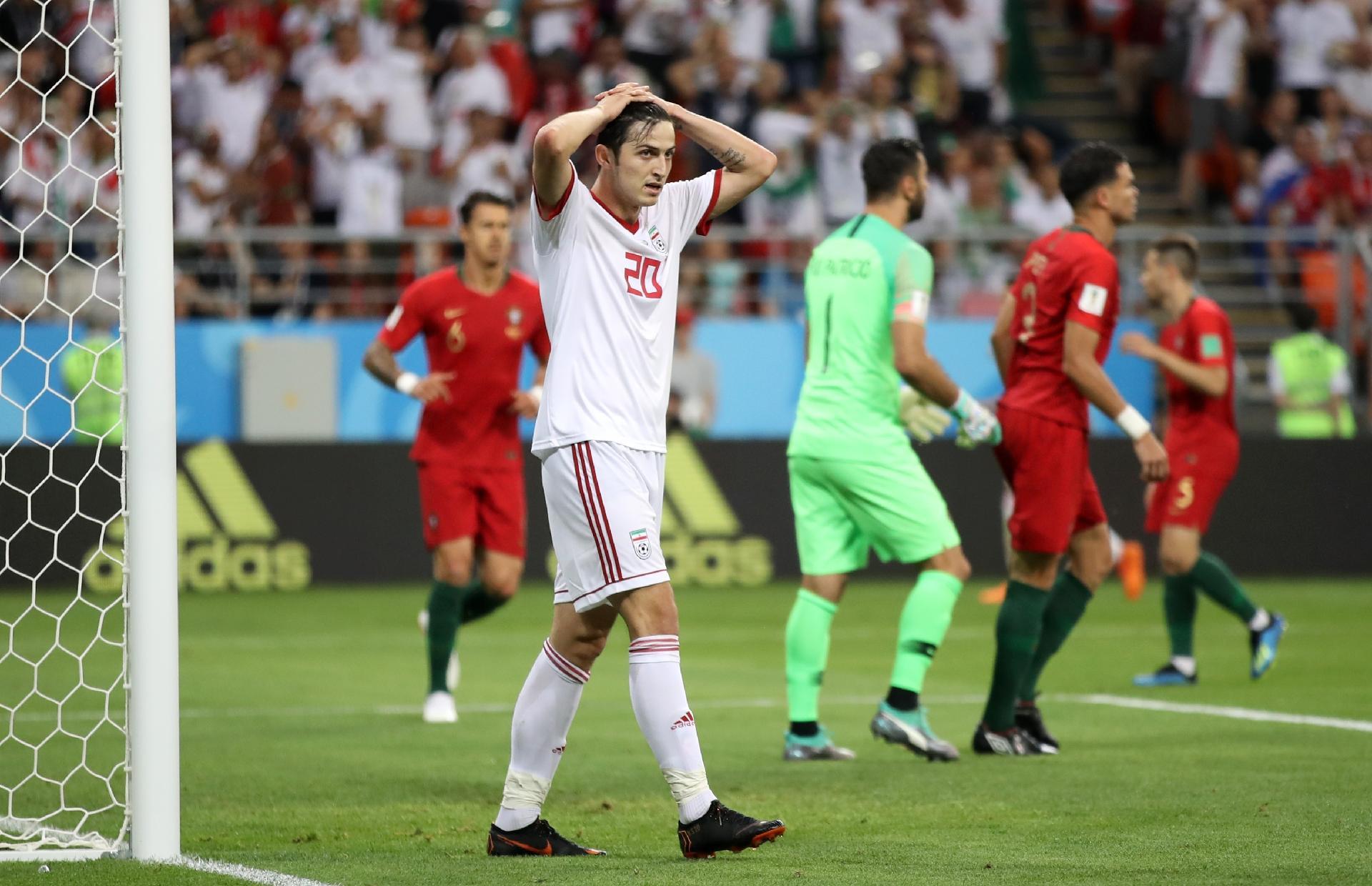 b61c42a3de Irã na Copa 2018   Messi iraniano  anuncia aposentadoria da seleção após a  Copa do Mundo - UOL Copa do Mundo 2018
