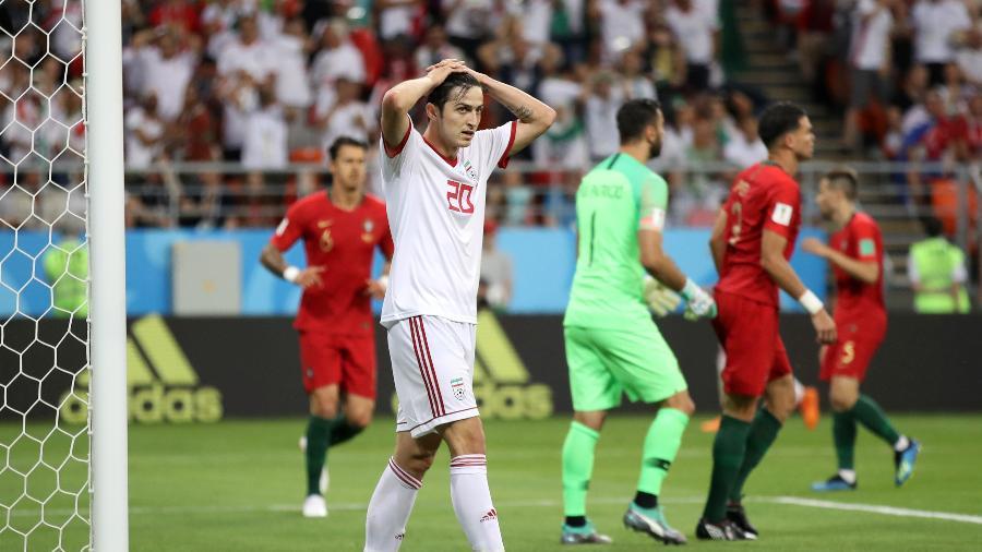 Sardar Azmoun, do Irã, lamenta chance perdida em jogo contra Portugal - Clive Mason/Getty Images