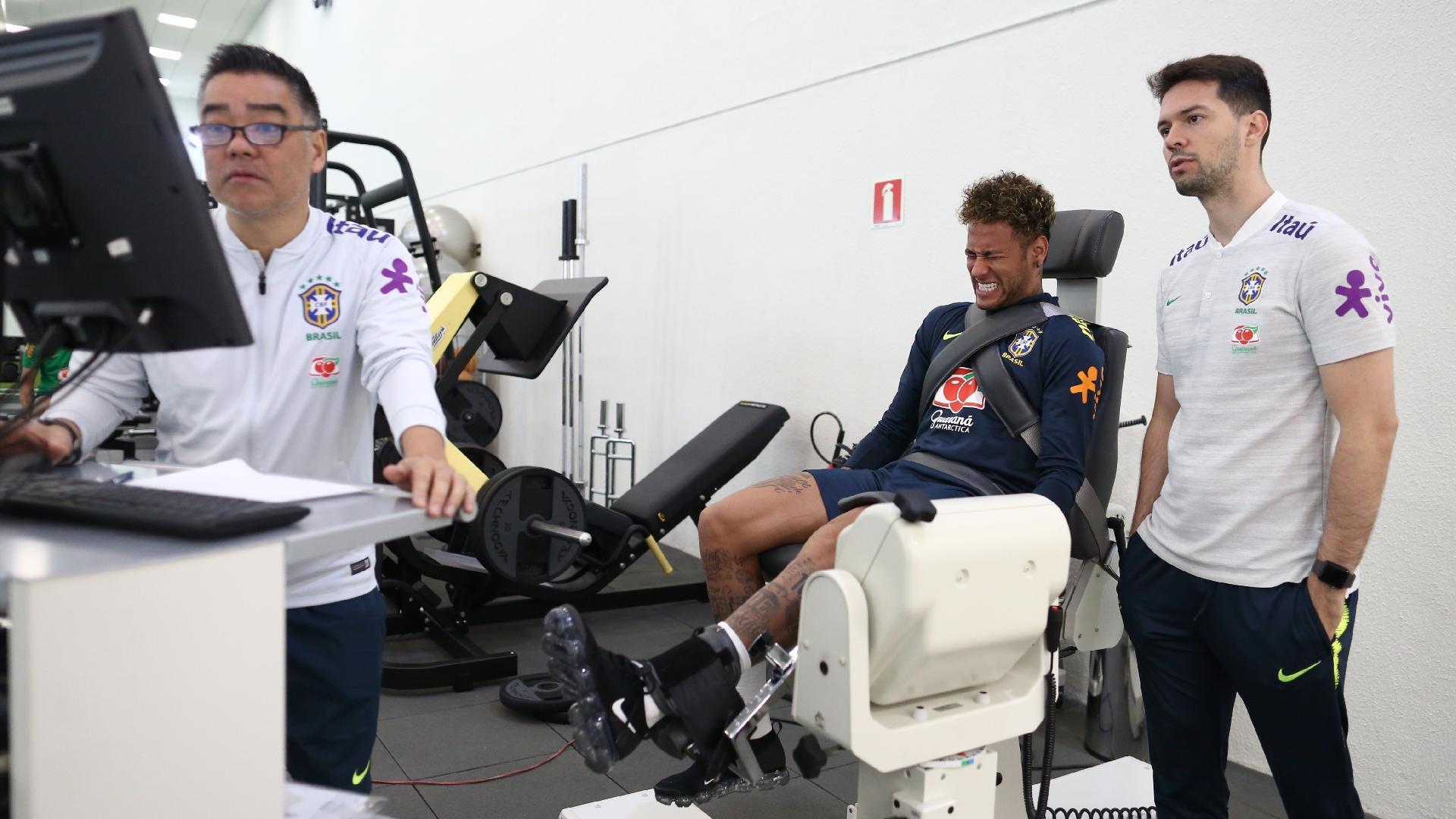 Neymar passa por teste físico na Granja Comary