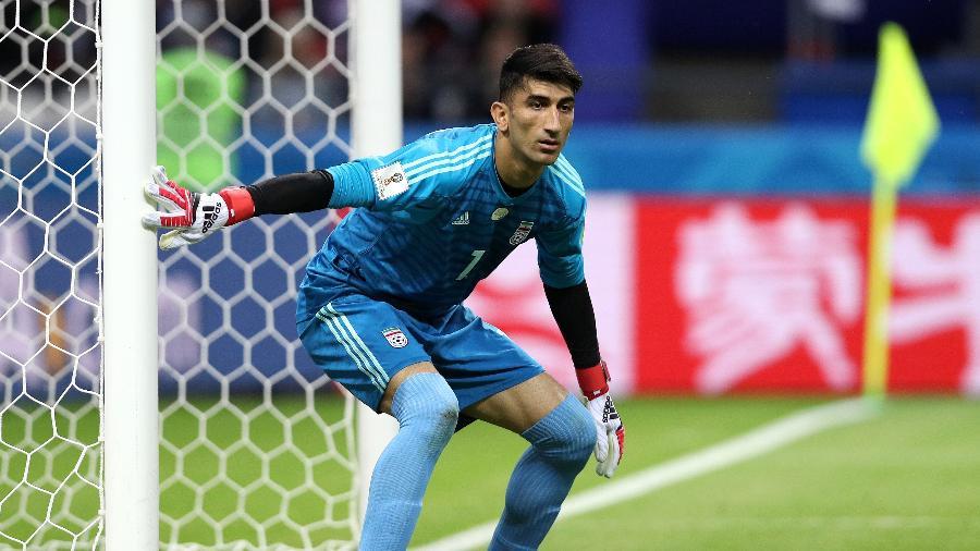 O goleiro Alireza Beiranvand durante o jogo entre Irã e Espanha - Patrick Smith - FIFA/FIFA via Getty Images