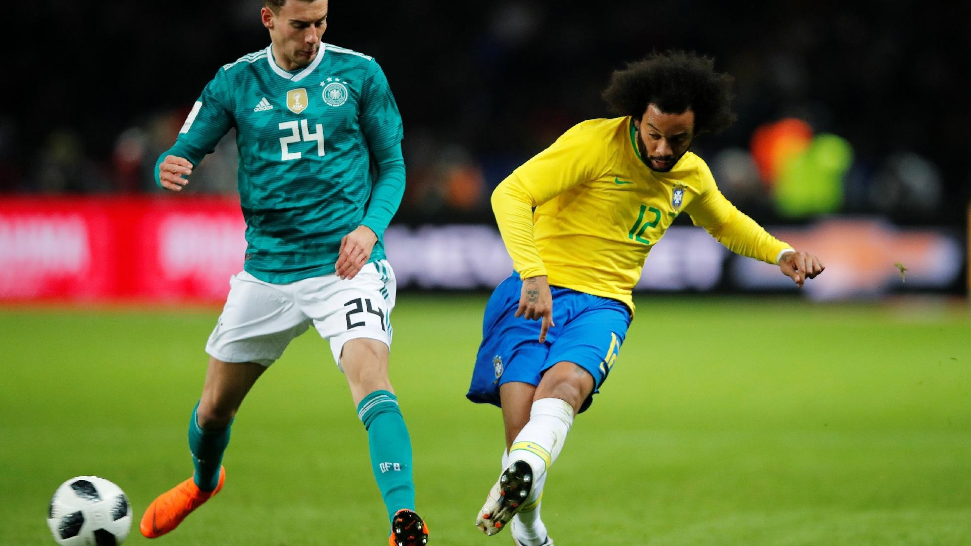 Marcelo dá lançamento sob a marcação de Goretzka