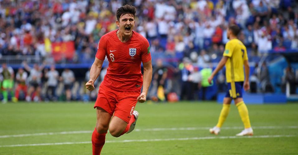 O zagueiro Harry Maguire comemora o primeiro gol da Inglaterra contra a Suécia