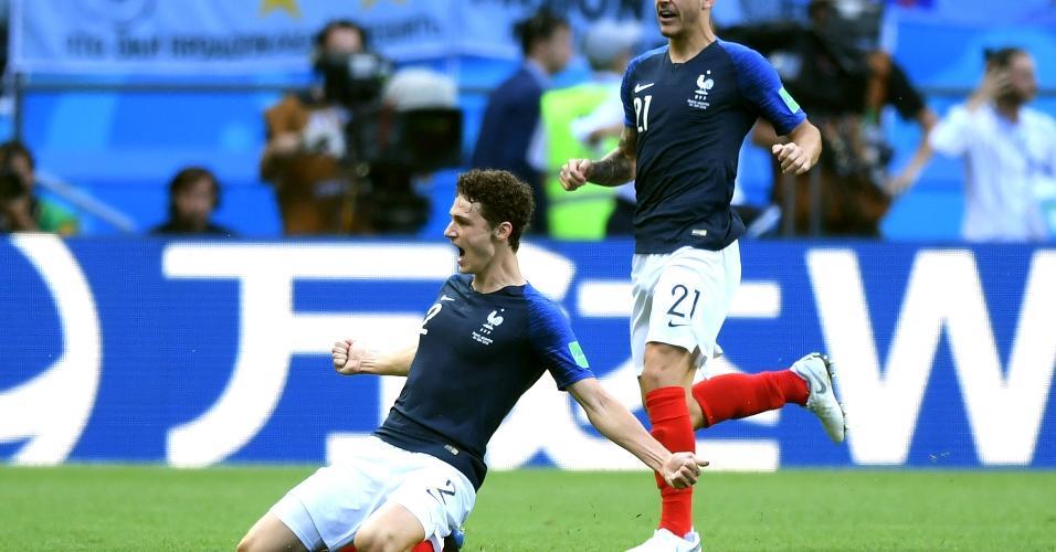 Pavard comemora o segundo gol da França contra a Argentina