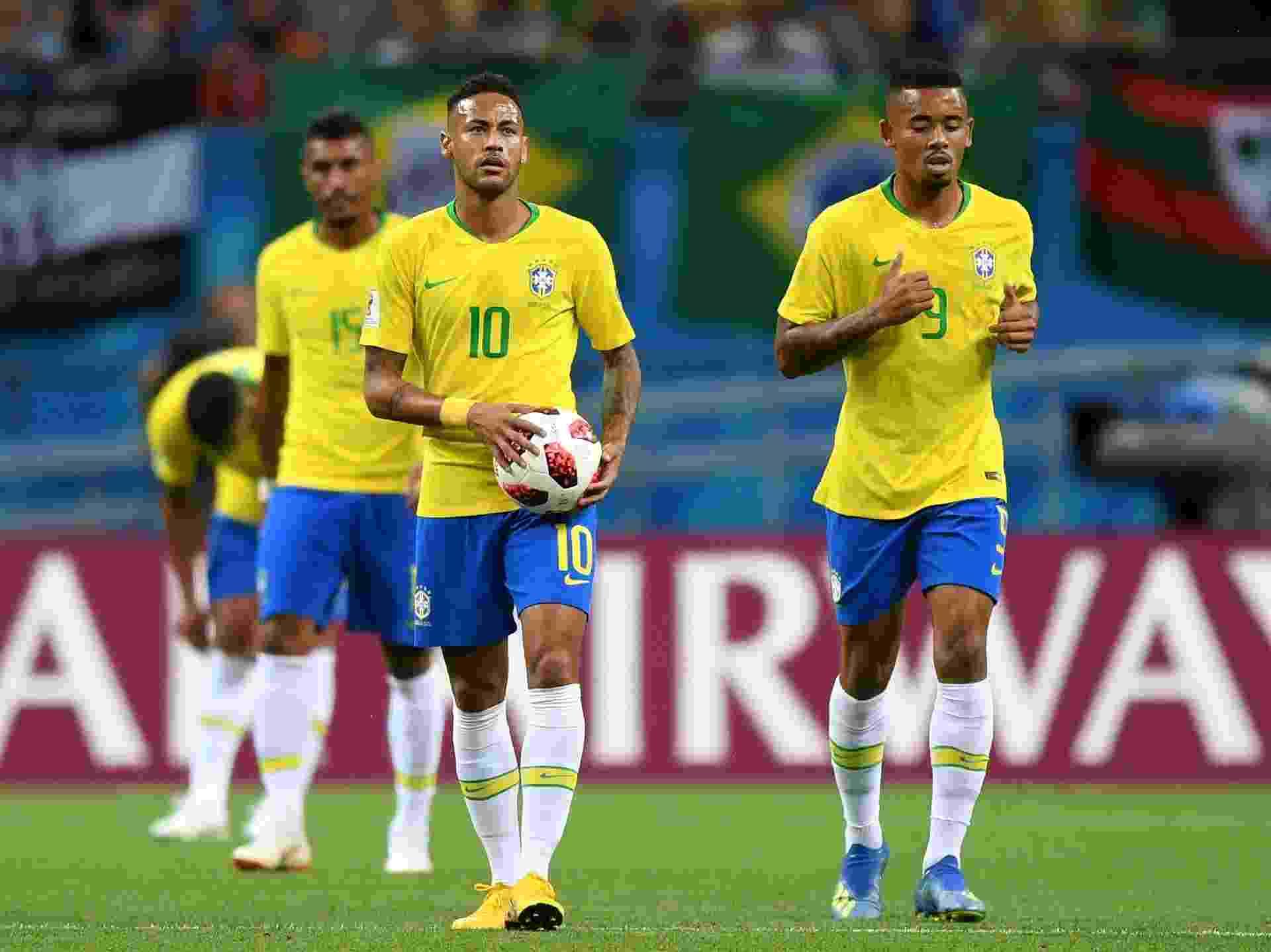 Neymar e Gabriel Jesus lamentam gol da Bélgica contra o Brasil - Shaun Botterill/Getty Images