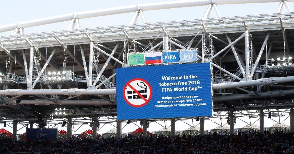 Aviso da Fifa sobre a proibição de fumar do estádio Otkrytiye
