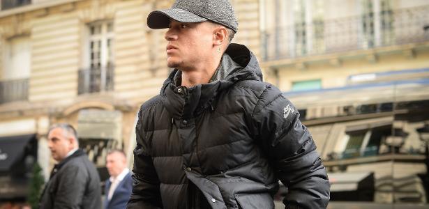 Phillipe Coutinho viaja à Espanha para assinar pelo Barcelona
