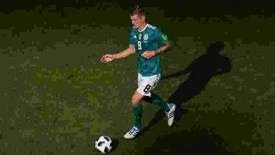 Toni Kroos em ação no duelo da Alemanha contra a Coreia do Sul Imagem   Getty Images 8ea010bde1c06