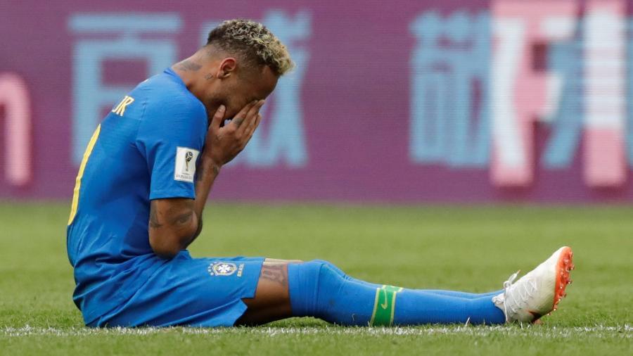 Neymar chora copiosamente depois de vitória do Brasil - Reuters