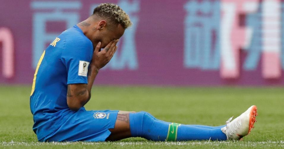 Neymar chora copiosamente depois de vitória do Brasil