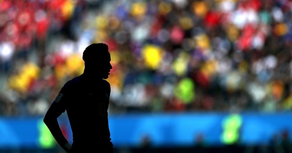 Neymar encarou forte marcação no primeiro tempo