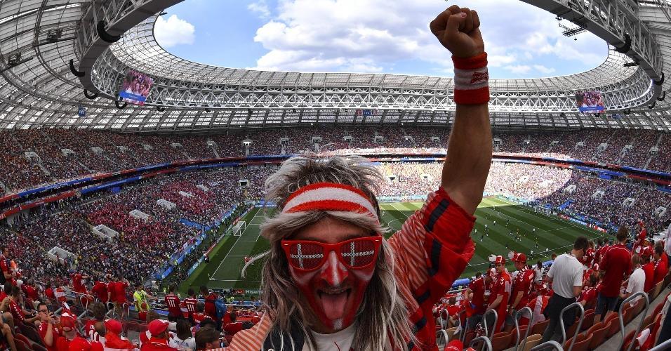 Torcedor dinamarquês prestigia sua seleção para jogo contra a França