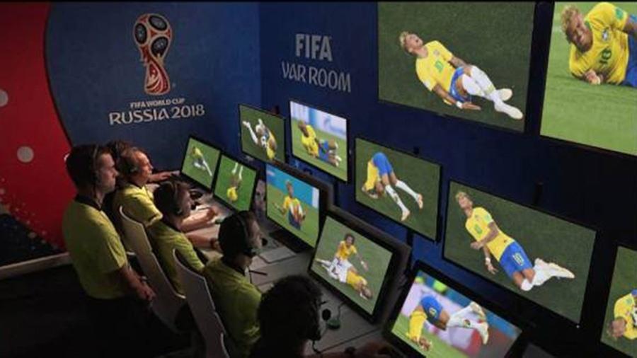 Sem condições de ser implantado no Brasileirão, VAR vai ficar como lembrança da Copa do Mundo.  - Reprodução/Twitter