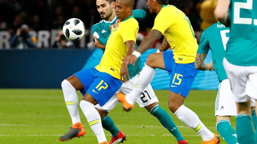 Brasil em ação contra a Alemanha; próximos amistoso, já às vésperas da Copa, podem ter horário estratégico - Fabrizio Bensch/Reuters