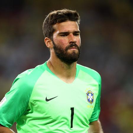 O goleiro Alisson durante o jogo entre Brasil e Sérvia pela Copa do Mundo de 2018 - Maddie Meyer/Getty Images