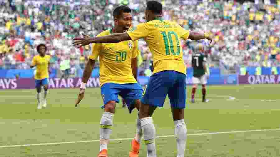 Firmino comemora seu gol após aproveitar chute de Neymar - Getty Images