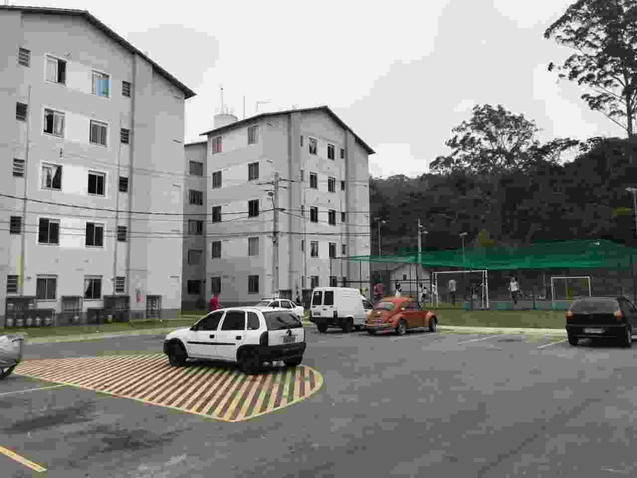 Área interna do condomínio construído patas as vítimas das chuvas de Teresópolis - Pedro Ivo Almeida/UOL