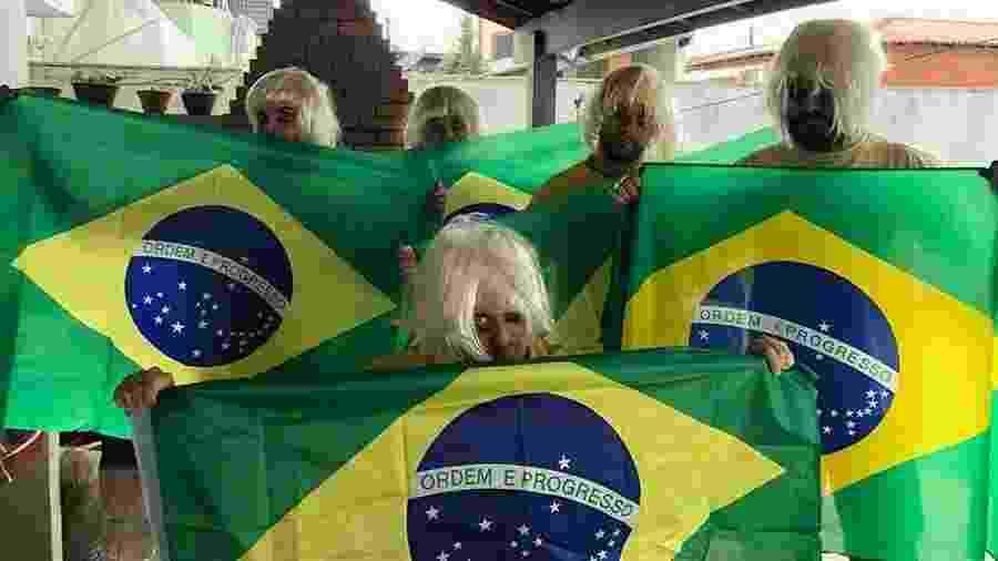 A torcida brasileira estava confiante na força do mascote do hexa - Reprodução/Twitter
