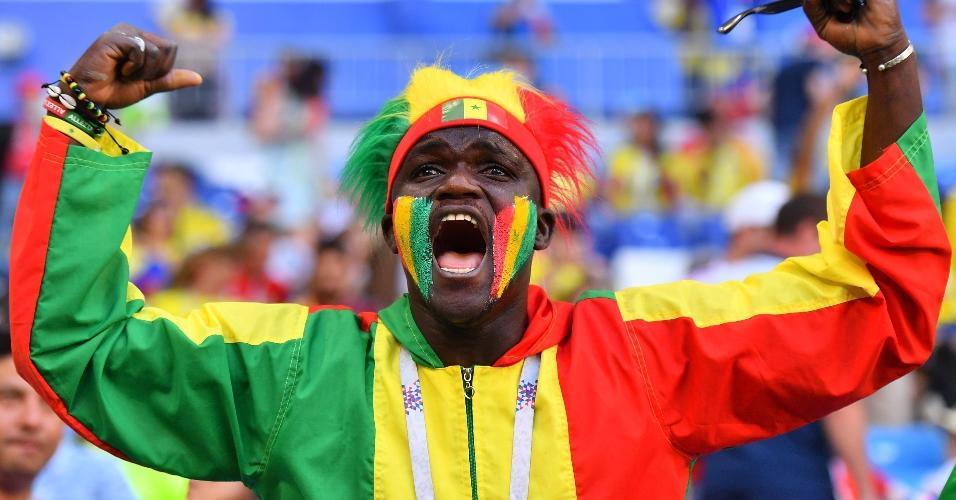 Torcedor de Senegal prestigia time para duelo contra a Colômbia