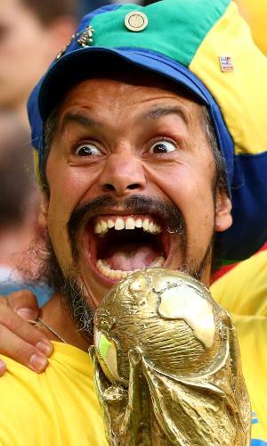 Torcedor do Brasil vai à loucura após classificação às quartas da Copa
