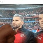 """Behrami voltou ao campo para o jogo contra a Sérvia e recebeu todo o """"apoio"""" dos brasileiros - Reprodução/Twitter"""