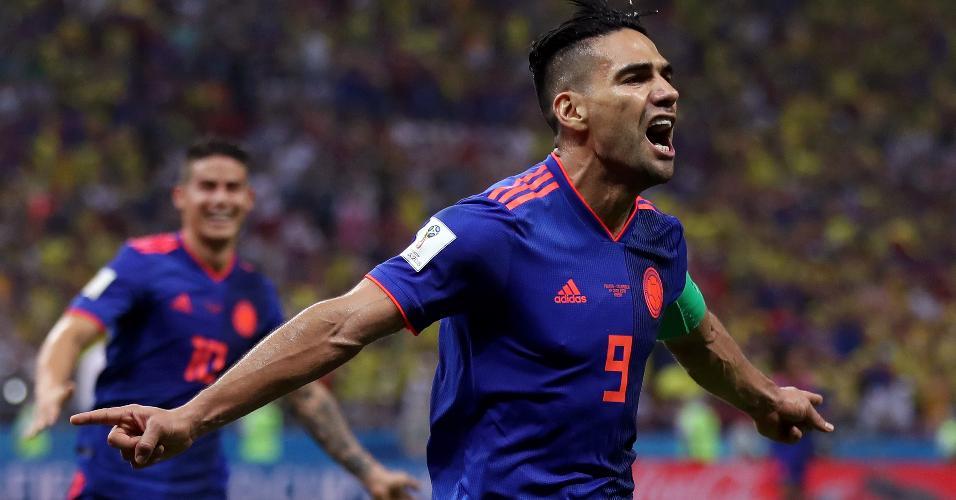 Radamel Falcao García comemora gol da Colômbia contra a Polônia