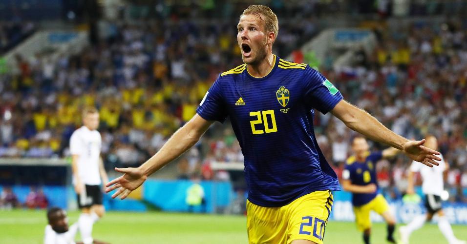 Ola Toivonen comemora gol da Suécia contra a Alemanha