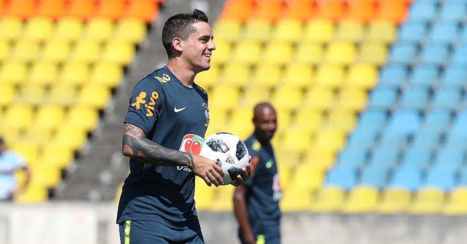 Fagner, durante treino da seleção brasileira