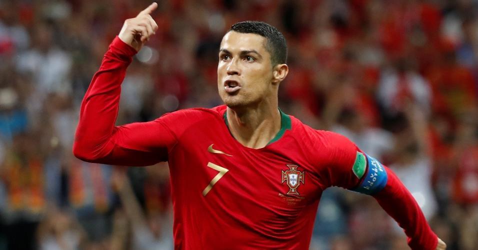 Cristiano Ronaldo comemora gol de Portugal contra a Espanha