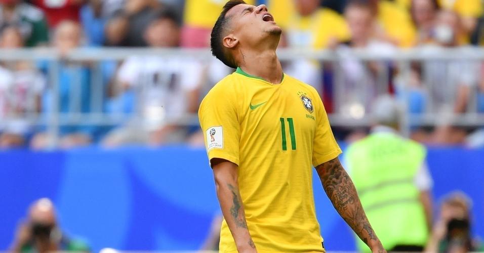 Philippe Coutinho lamenta arremate errado para o gol do México