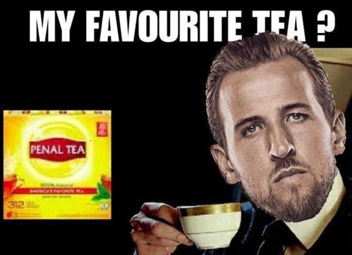 """Falando em chá, o Harry Kane sentiu falta do seu preferido: """"Penal Tea"""""""