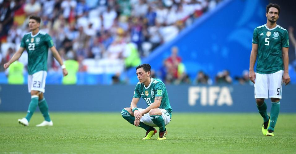 Ozil e Hummels não acreditam que a Alemanha foi eliminada na primeira fase da Copa