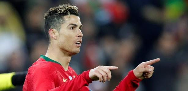Cristiano Ronaldo comemora após marcar por Portugal contra o Egito