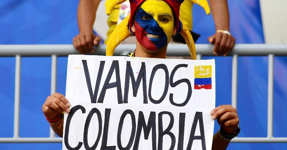 Torcedor da Colômbia apoia selecionado para jogo contra Senegal