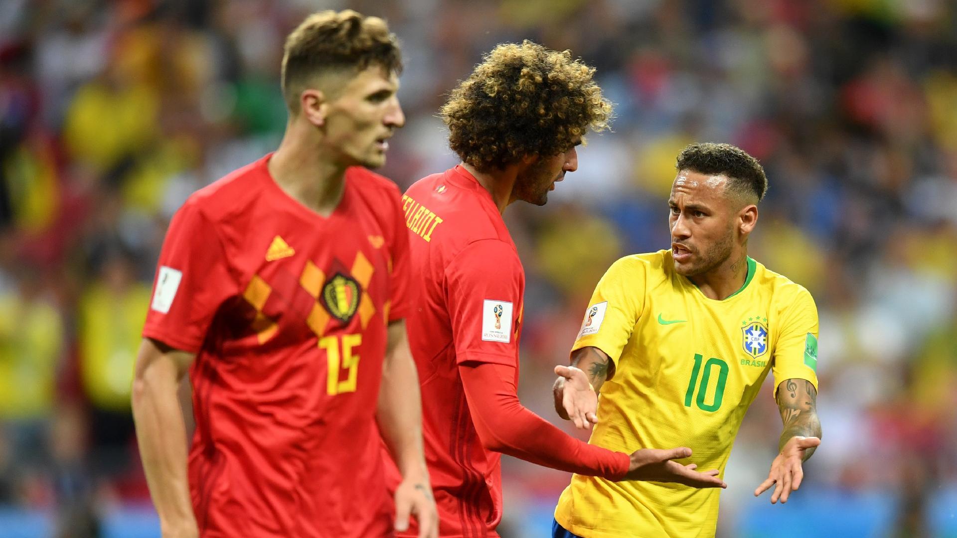 Neymar discute com Marouane Fellaini durante o jogo entre Brasil e Bélgica