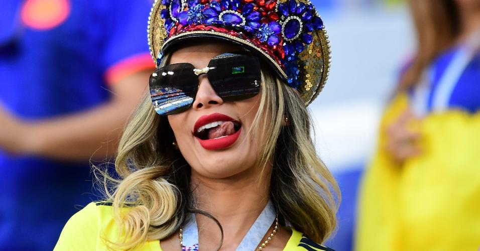 Torcedora da Colômbia apoia selecionado para jogo contra Senegal
